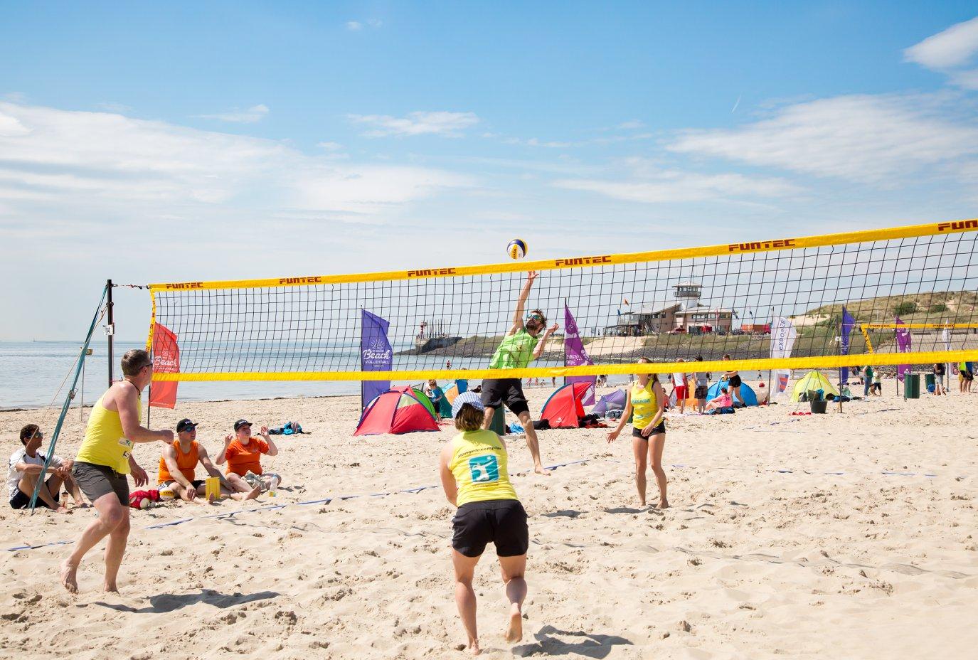 Moofpeople hoofdsponsor van Summer BeachVolleyball