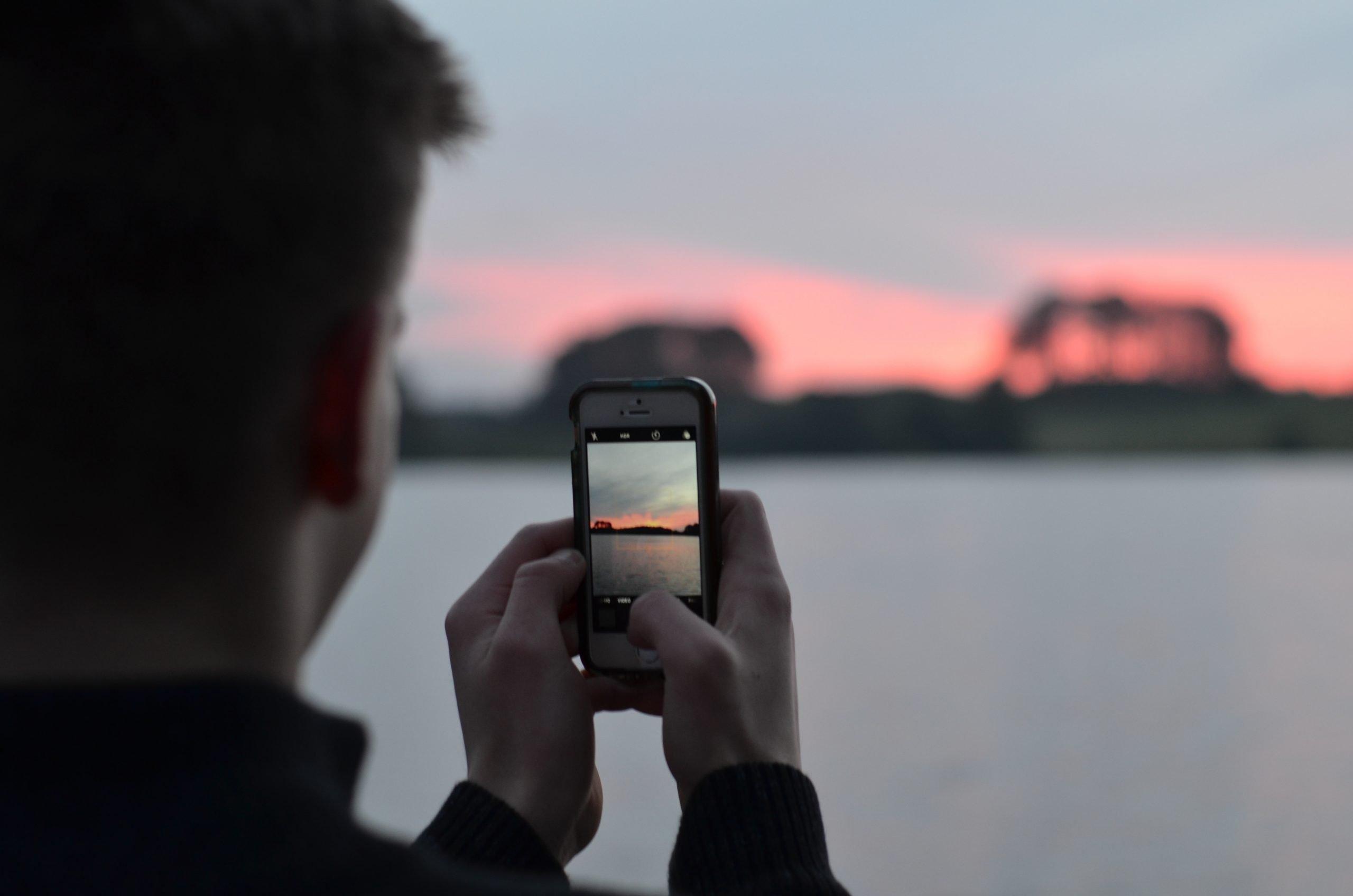 moof-jongen smartphone
