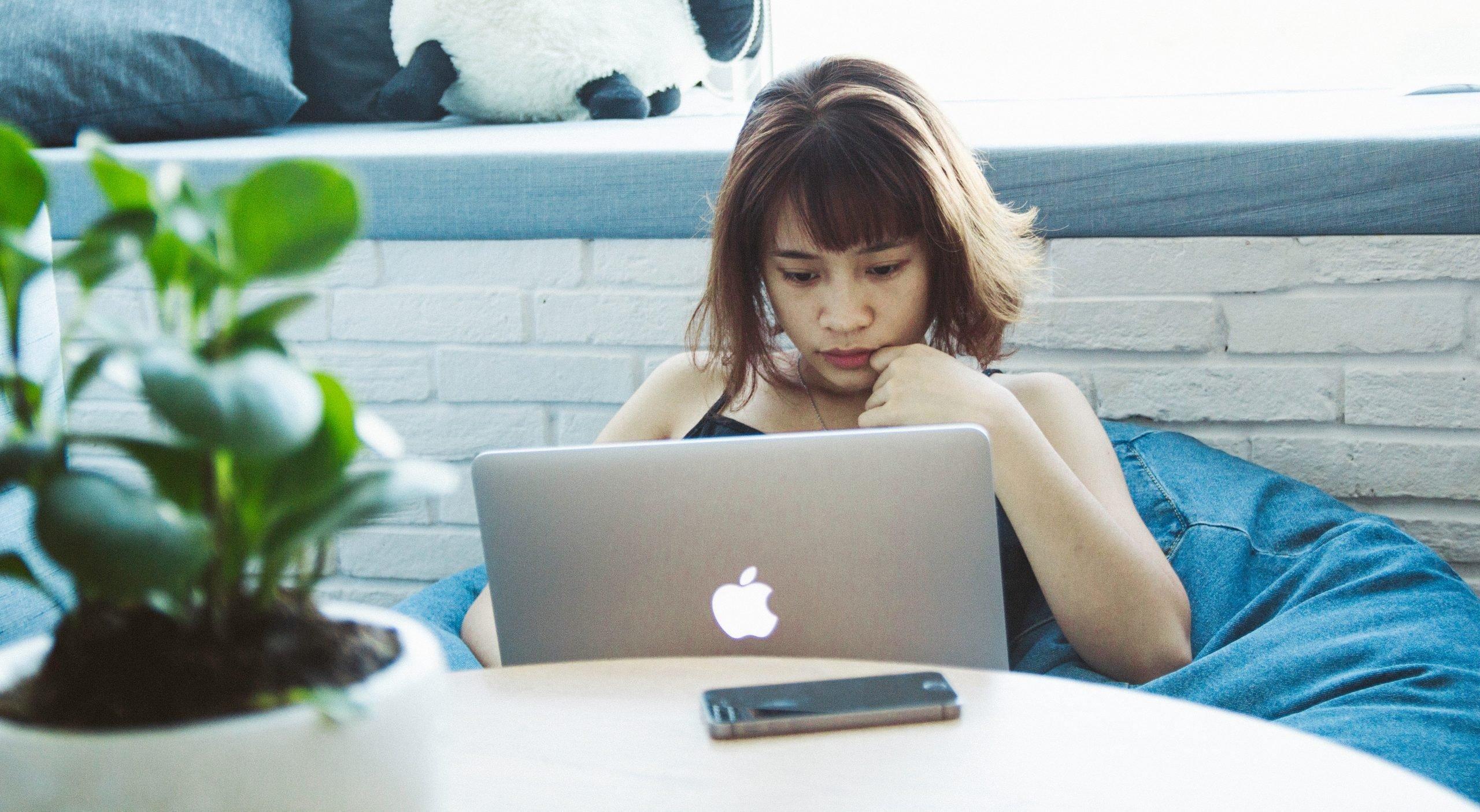 moof-meisje laptop